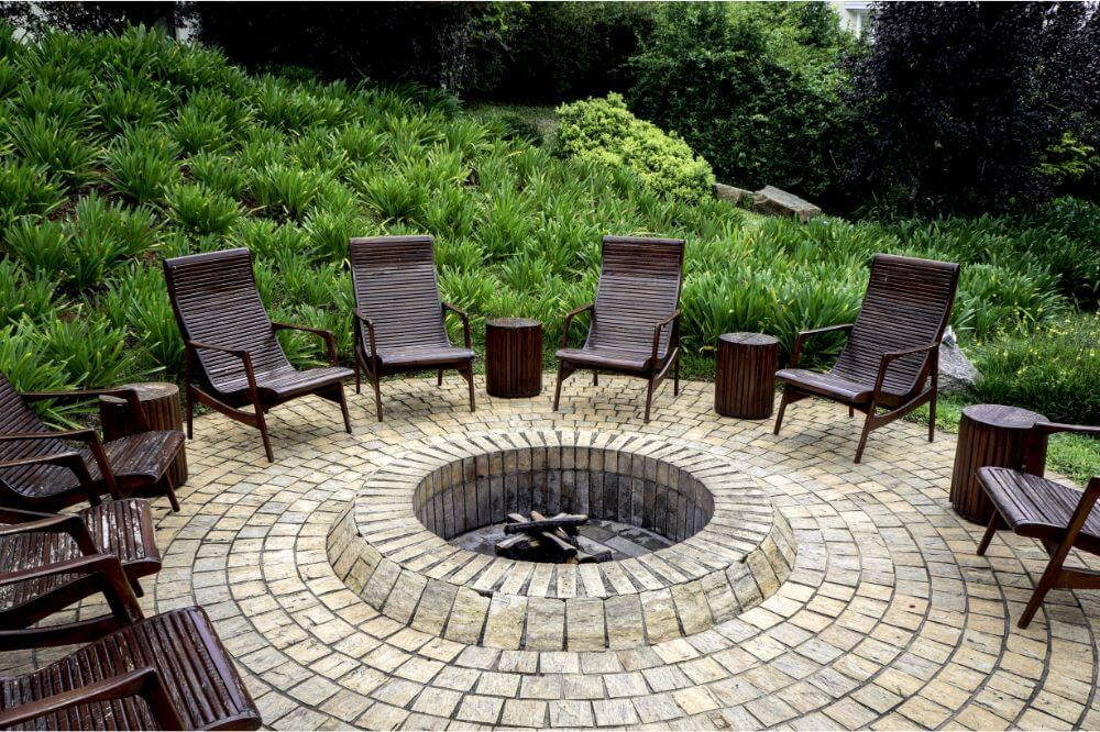 Backyard Landscaping Ideas for Fire Pits